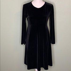 🎈 BISCOTTI BLACK VELVET DRESS